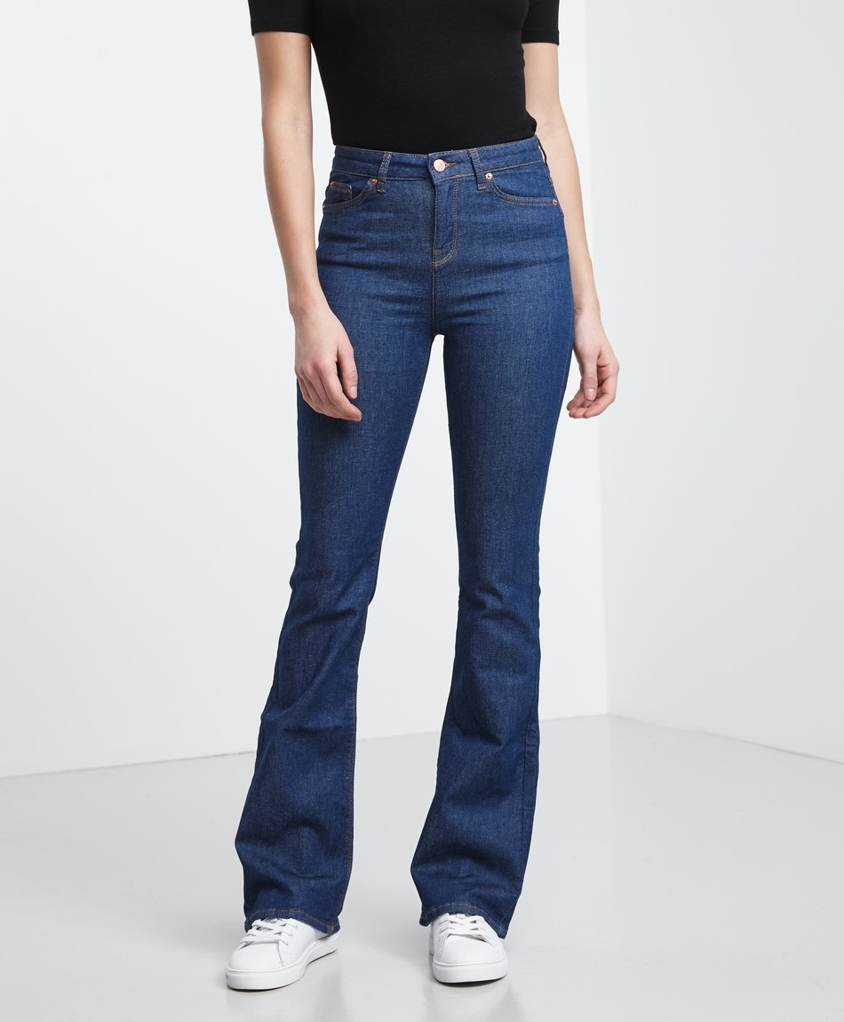 4b616bd6eba Molly Bootcut Jeans - Gina Tricot | reve