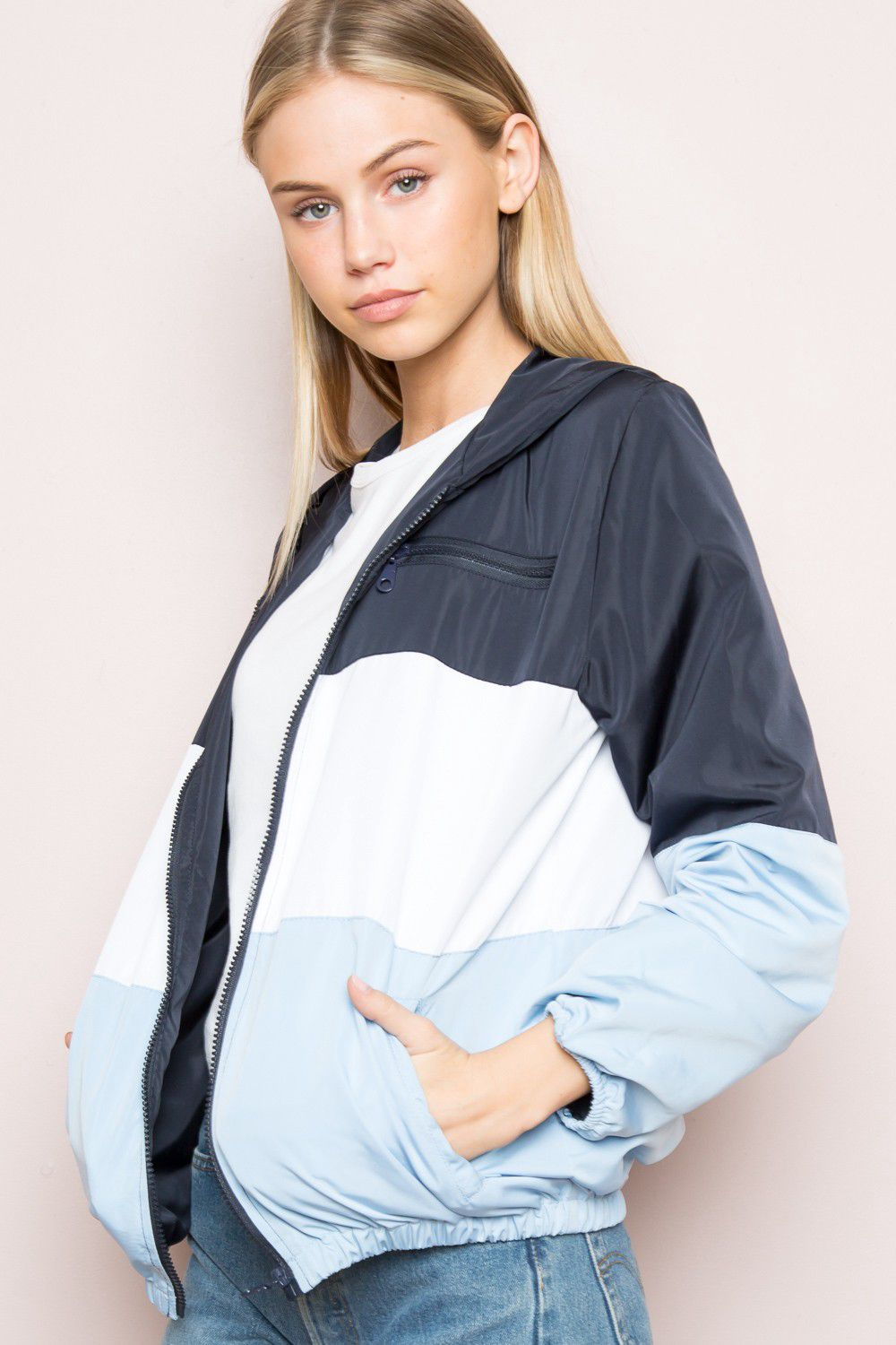 Krissy Windbreaker Jacket - Brandy Melville | Reve