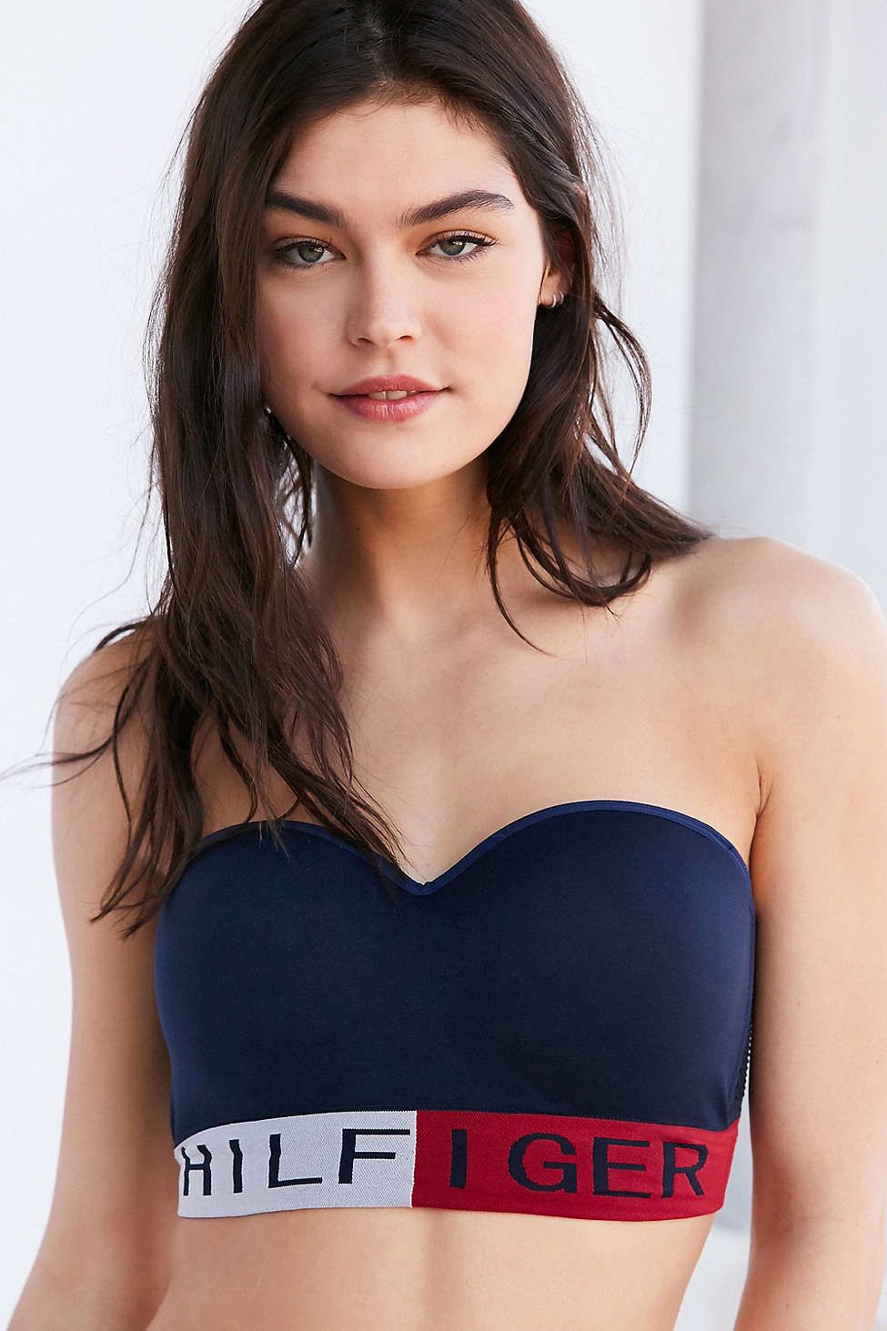868321bb72 Tommy Hilfiger Seamless Logo Convertible Bra - Urban Outfitters