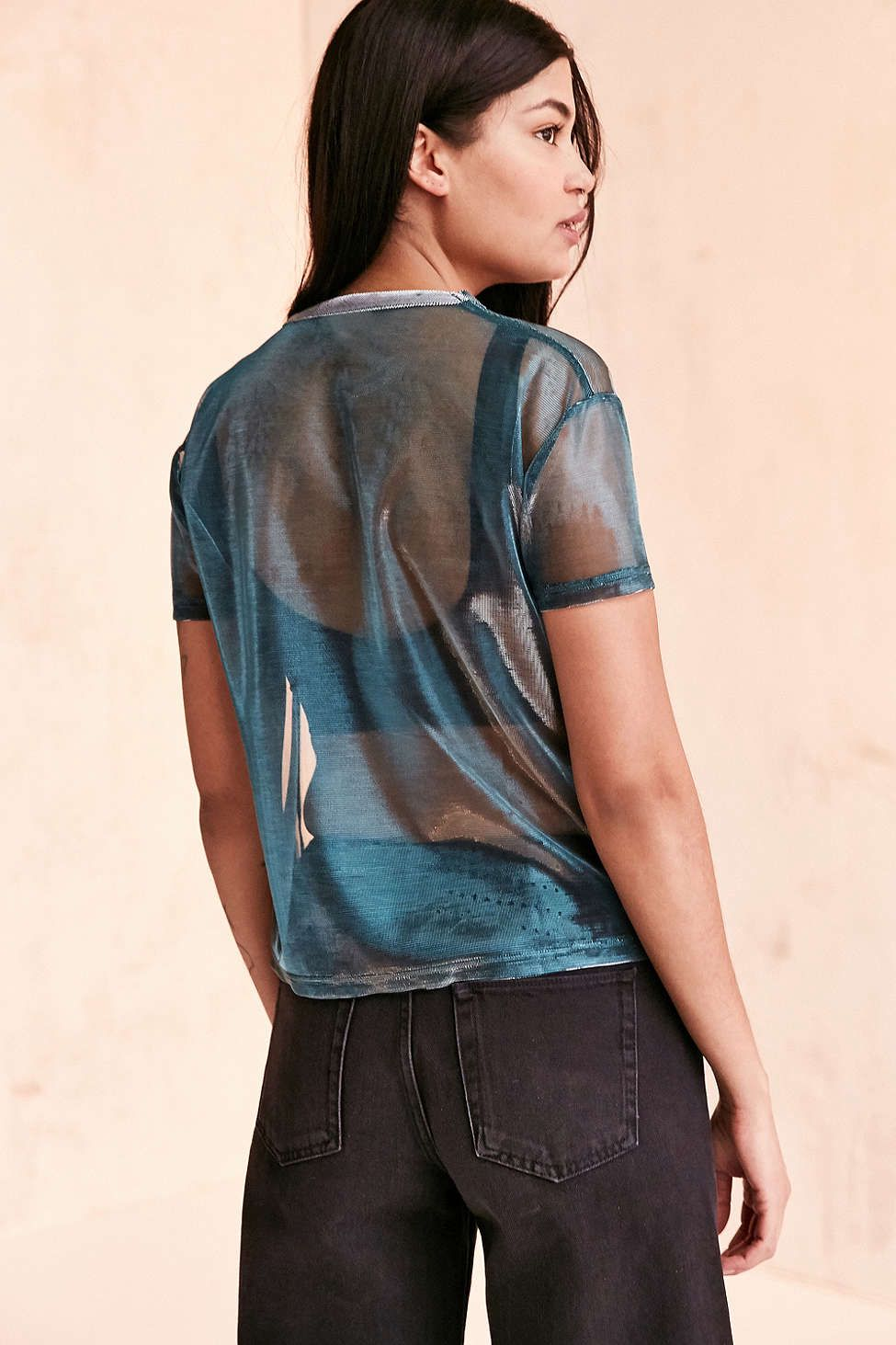 1840c1243eb79 Silence + Noise Iridescent Shimmer Mesh Tee - Urban Outfitters