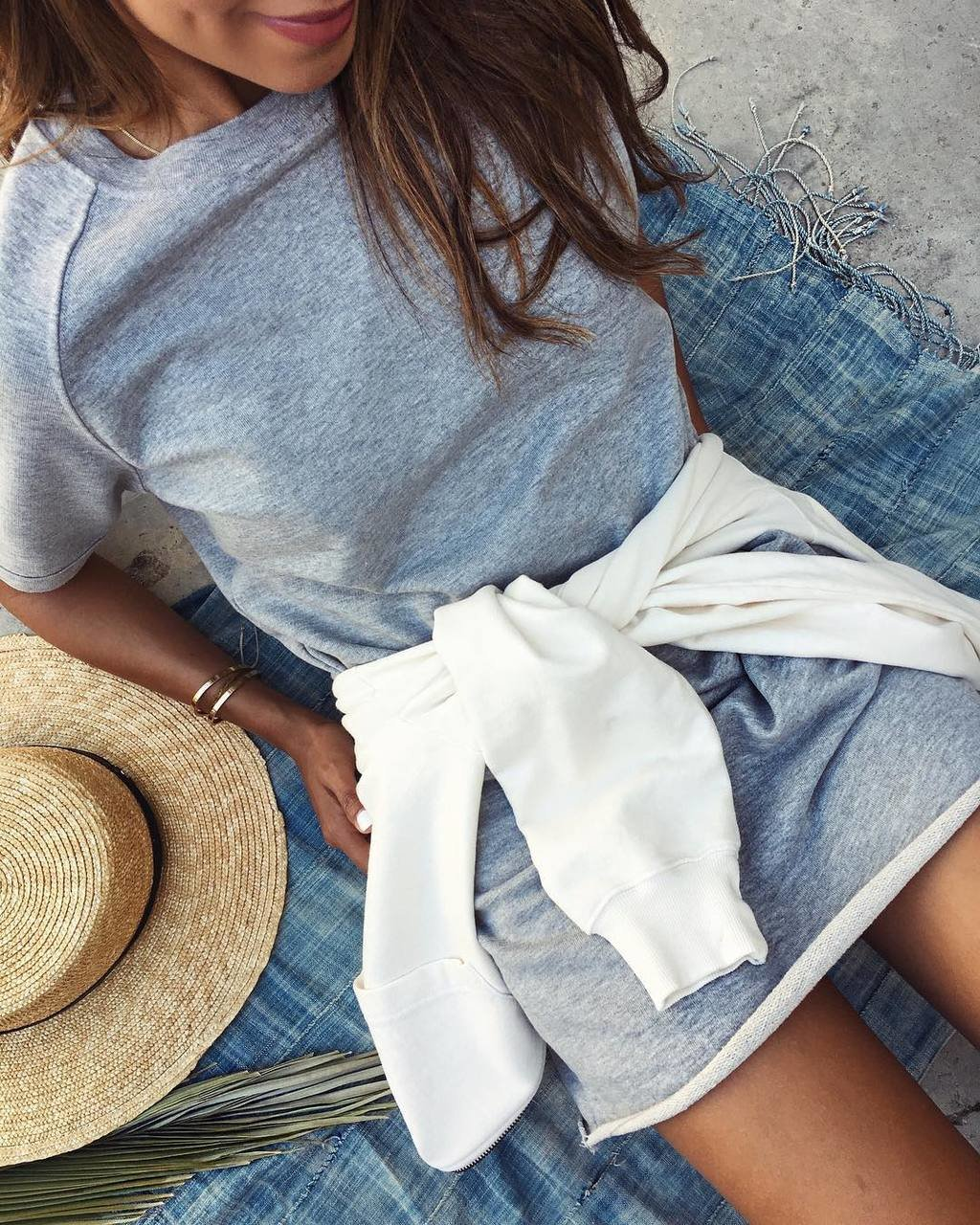 When good basics are comfy af. ☁️ @shop_sincerelyjules / now on sale! Shopsincerelyjules.com image