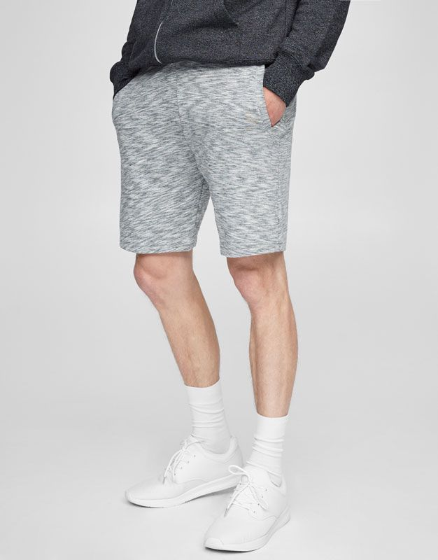 ce5bae8a3b Jogging Bermuda Shorts With Zips - Pull & Bear | reve