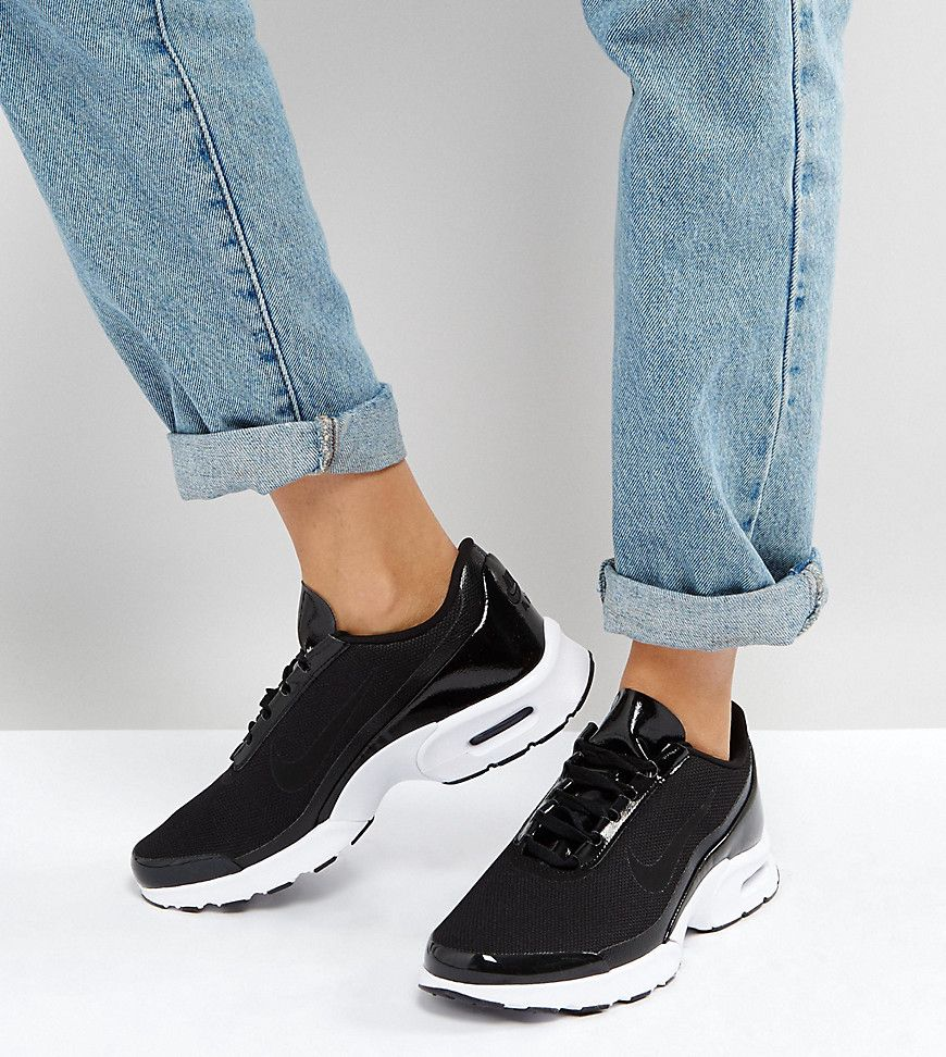 best website 91e10 e2c74 Nike Air Max Jewell Iridescent Trainers In Black - Asos   reve