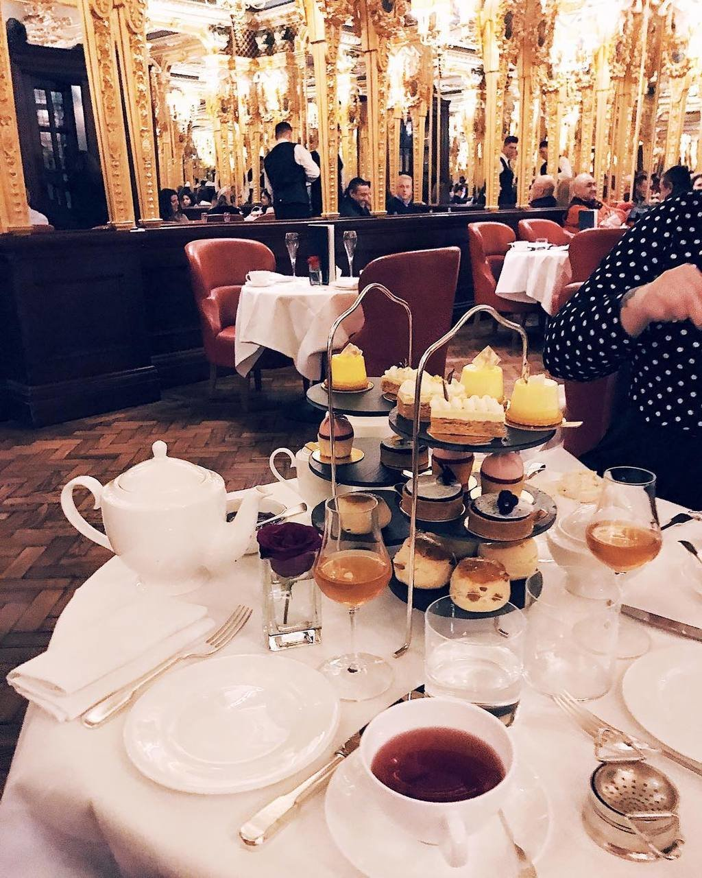 What I need to cheer me up this cold and dark Tuesday. 😫 #afternoontea image