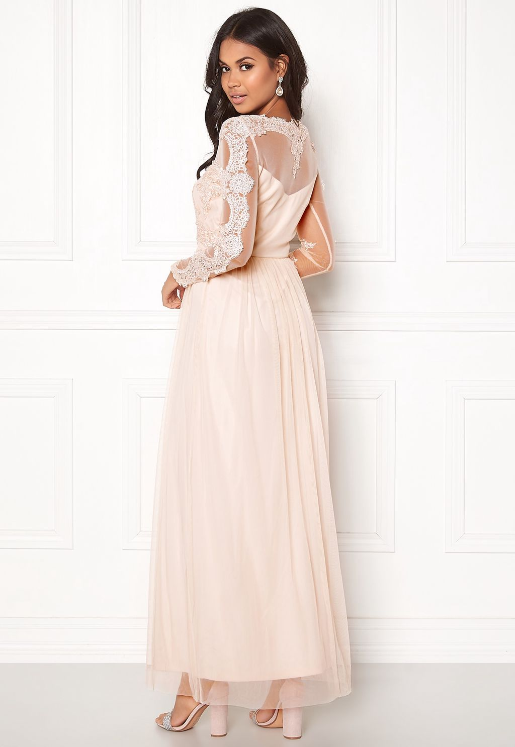 Georgious Maxi Dress Peach Blush - Bubbleroom  532736605f025