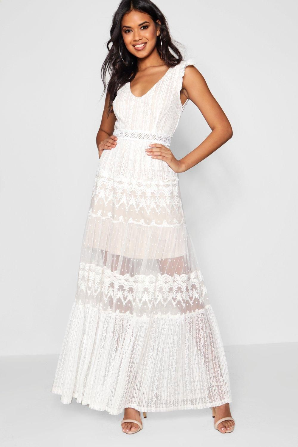 eee8a5cf328e8d Boutique Lace Panelled Detail Maxi Dress - Boohoo