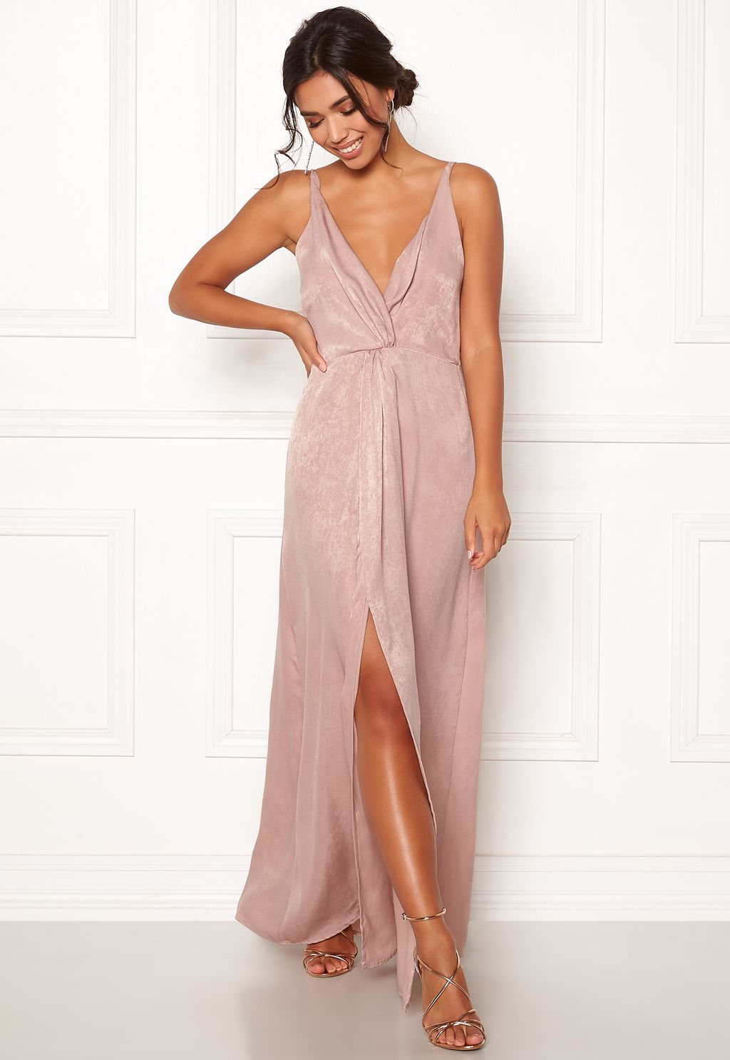 Marianna Front Twist Gown Silver Coloured   Pink - Bubbleroom  c379be6df5d3b